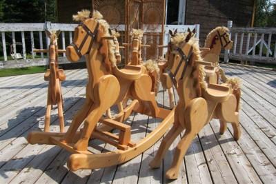 Cheval de bois pour enfants. Fernand Roy, ébéniste jouettier