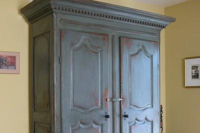 Grande armoire d'inspiration Louis XV