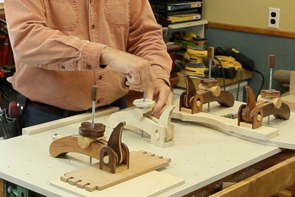 Wooden toggle clamp