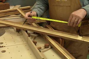 Truc pour trouver le centre précis d'une pièce de bois