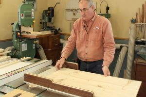 Assembling the crosscut sled