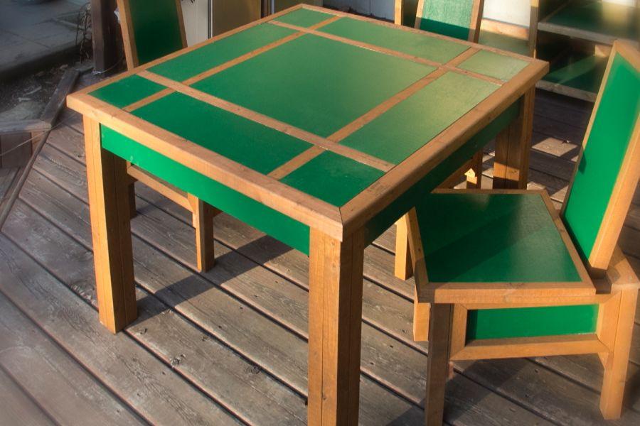 Table à panneaux - Style contemporain