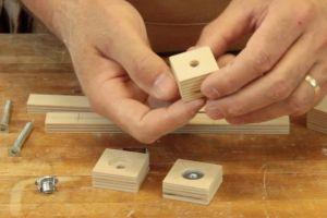 Préparation des petites poignées de serrage